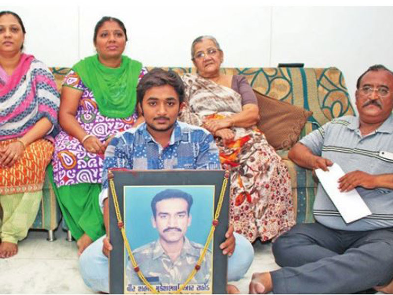 akhilesh yadav gujarat martyrs